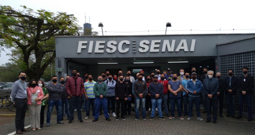 Primeira turma do Curso Técnico em Metalurgia do SENAI SC.
